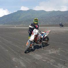 Bromo Mount #jawatimur #adventure #malang #malanghits #vindicator7 #slovakia #ktmsixdays #indonesia #riders #racing #men #event #ktmracing #2016 #visit by ariefsaifuddin http://bit.ly/AdventureAustralia