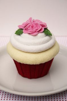 Felt Cupcake  Red and Pink Roses by ViviansKitchen on Etsy, $48.00