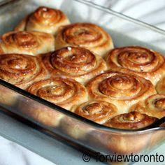 Torviewtoronto: Cinnamon bun for breakfast