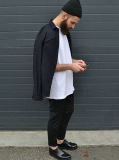 white-t-shirt-overshirt-black-chinos-mens-street-style.jpg (770×1039)