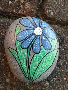 Looking for some easy painted rock ideas to get inspired by? See more ideas about Rock crafts, Painted rocks and Stone crafts. Rock Painting Patterns, Rock Painting Ideas Easy, Rock Painting Designs, Pebble Painting, Pebble Art, Stone Painting, Painting Flowers, Painted Rocks Craft, Hand Painted Rocks