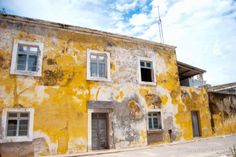 Architettura coloniale a Ilha de Moçambique http://www.travelstories.it/2014/02/ilha-de-mocambique-lantica-capitale-del.html #Ilhademoçambique #mozambico #architecture #colonialarchitecture #african