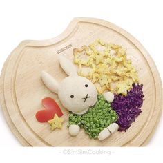 Miffy food art by SimSim C. 心心 (@simsimcooking)