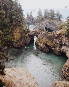 Samuel H. Boardman State Park - Brookings, OR Oregon Road Trip, Oregon Travel, Oh The Places You'll Go, Places To Travel, Places To Visit, Travel Goals, Travel Usa, Alaska Travel, Alaska Cruise