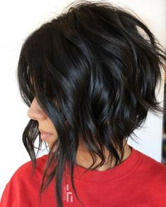 60 Most Delightful Short Wavy Hairstyles Choppy Disconnected Bob Hairstyles Inverted Bob Haircuts, Round Face Haircuts, Hairstyles For Round Faces, Short Hairstyles, Layered Haircuts, 1980s Hairstyles, Relaxed Hairstyles, Edgy Haircuts, Pixie Haircuts