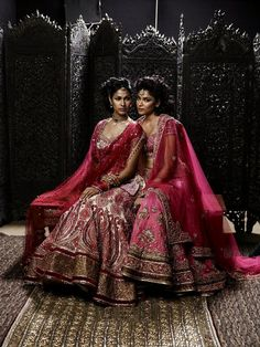 Aaina - Bridal Beauty and Style: Designer Bride: Tarun Tahiliani 2011 - A Display of Artisanal Finery