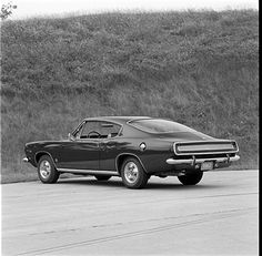 Plymouth Barracuda. Barracuda presents most striking appearance from this aspect. Smaller rear window has far less distortion than old, doesn't appreciably.
