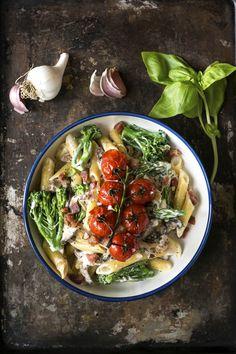 Creamy Mushroom, Pancetta, and Broccoli Pasta Vegetable Recipes, Vegetarian Recipes, Healthy Recipes, Healthy Food, Pancetta Pasta, Confort Food, Roasted Cherry Tomatoes, Broccoli Pasta, Creamy Mushrooms