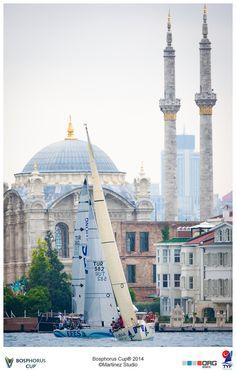 [Gran Mezquita de Ortaköy - Estambul, Turquía] > [*- La mezquita de Ortaköy o mezquita de Mecidiye, es una mezquita situada en la orilla occidental del Bósforo, en el puerto del cosmopolita barrio de Ortaköy, en Estambul, Turquía. (Wikipedia)] » Ortaköy Mosque, Istanbul, Turkey » Büyük Mecidiye Camii