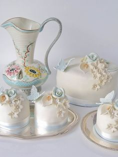 Flowers & Butterfly Mini Cakes