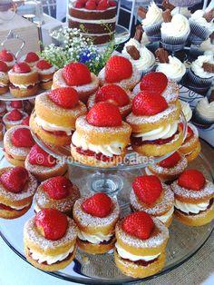 Summer Wedding - Strawberry Victoria Sponge Mini Cakes -