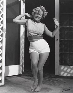 Oh Look, Marilyn had a real body.