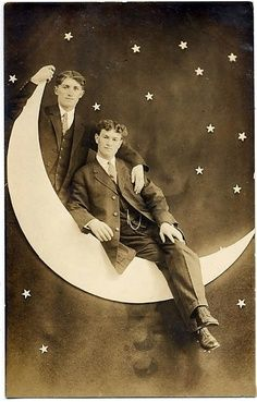 DIY vintage moon photo booth
