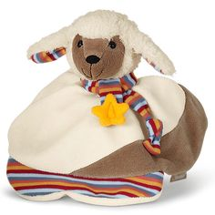 Das Schmusetuch Emmi von Sterntaler begeistert Ihr Kind mit einem tollen Stoff- und Farbmix. Der knuffige Esel weckt das Interesse Ihres Babys und lässt sich super von kleinen Kinderhänden greifen. Eine integrierte Rassel sorgt für spannenden Spielspaß und Unterhaltung. Zur Reinigung können Sie das Schmusetuch einfach in die Waschmaschine geben.