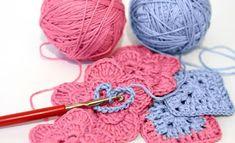 crochê passo a passo crochê passo a passo caminho de mesa crochê passo a passo jogo de banheiro crochê passo a passo como fazer crochê passo a passo flor crochê passo a passo tapete aprendendo crochê crochet вязание крючком Crochet Gratis, Knit Or Crochet, Crochet Stitches, Crochet Hooks, Yarn Projects, Knitting Projects, Crochet Projects, Knitting Blogs, Love Knitting