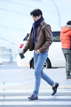 Kpop Fashion, Mens Fashion, Airport Fashion, Kpop Outfits, Cute Outfits, Moda Kpop, Exo Kai, Suho Exo, Kaisoo