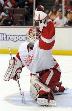 Is Chris Osgood a Hall of Fame goalie? Detroit Hockey, Usa Hockey, Detroit Sports, Hockey Goalie, Hockey Teams, Hockey Players, Hockey Stuff, Detroit Red Wings, Nhl