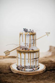 boho wedding cakes naked arrow boho cake - 7 Fabulicious Wedding Cake Trends for the Coming Season PAPER amp; Bolo Drip Cake, Drip Cakes, Amazing Wedding Cakes, Amazing Cakes, Pretty Cakes, Beautiful Cakes, Super Cool Cakes, Naked Wedding Cake, Fruit Wedding