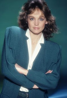 Pictures of Pamela Sue Martin, Picture Pamela Sue Martin (born January is an American actress best known for playing Nancy Drew on The Hardy Boys/Nancy Drew Mysteries TV series and Fallon Carrington Colby on the ABC nighttime soap opera Dynasty. Pamela Sue Martin, Mystery Tv Series, Dynasty Tv Show, Nancy Drew Mysteries, Joan Collins, Music Film, Got The Look, Margot Robbie, Celebs