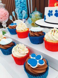 Paw Patrol First Birthday Torta Paw Patrol, Paw Patrol Cupcakes, Paw Patrol Birthday Theme, Paw Patrol Party, First Birthday Cakes, Boy Birthday Parties, Birthday Ideas, Cupcake Wars, Minion Party