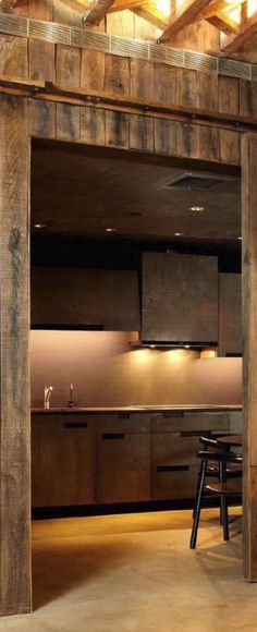View rustic kitchens designed by the best rustic interior designers. From farmhouse kitchens to log homes and cabins with rustic kitchen ideas & tips. Rustic Kitchen Design, New Kitchen Designs, Farmhouse Style Kitchen, Rustic Farmhouse, Kitchen Ideas, Log Cabin Kitchens, Rustic Kitchens, Top Interior Designers, Rustic Industrial