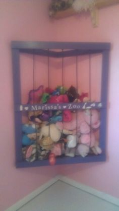 Pinterest success! We built a stuffed animal zoo. Stuffed Animals, Stuffed Animal Storage, Ideas Habitaciones, Toy Organization, Big Girl Rooms, Toy Storage, Zoo Animals, New Room, Girls Bedroom