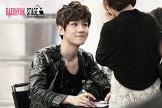12.05.25 Hottracks Fansign at Youngdeungpo (Cr: baekhyun stage: byunbaekhyun.com)
