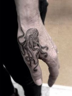 Cool Hand Tattoos For Guys #TattooIdeasForGuys