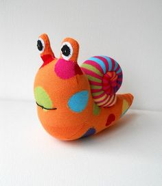 sock snail | Dawn Treacher | Flickr