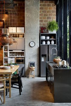 Loving this incredible recreation of an industrial style loft | www.delightfull.eu/blog #industrialstyle #industrialloft #industrialdesign #industriallighting