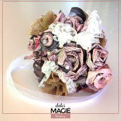 Bouquet da sposa in carta eco-friendly, con pizzo italiano e veri swarovsky
