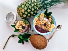 Acai Berry Banana Bowl // Get your Teatox on with 10% off using our discount code 'Pinterest10' on www.skinnymetea.com.au X