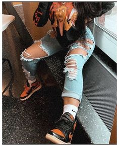 Image in beautyful girls collection by The Effective Pictures We Offer You About dope outfits Baddie Outfits Casual, Cute Swag Outfits, Chill Outfits, Dope Outfits, Retro Outfits, Trendy Outfits, Outfits With Jordans, Girl Jordan Outfits, Winter Swag Outfits