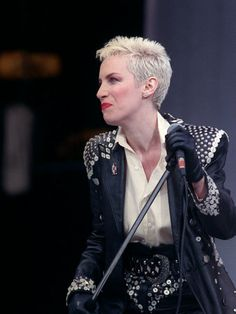 annie-lennox-of-eurythmics-at-mandela-concert-in-honour-of-nelson-mandela-s-70th-birthday-jun-1988