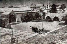 Niğde Ulukışla Han  fotoğraf Albert Gabriel tarafından 1927 ya da 28 de çekilmiştir.