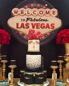 Las Vegas themed cake by @dressmycake (photo: @prettyposhparties)
