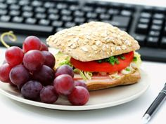 Why You Shouldn't Eat Lunch at Your Desk