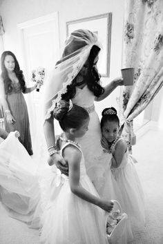 Pretty bride with flower girls : Utah summer wedding : Photo by Jacque Lynn Photography