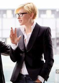 Stars wearing glasses |  Cate Blanchett with  casual business look. (found on: here on pinterest.com) #CateBlanchett #trends!