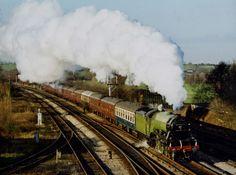 The Flying Scotsman to London Scottish People, Flying Scotsman, Steam Railway, Train Journey, Steam Engine, Steam Locomotive, Sailing, Past, Golden Age