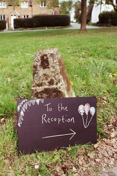 We love handwritten signs for your wedding decor, such a personalized touch! #chalkboard #rusticweddings