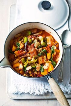 Enjoy this vegetarian stew recipe, made with butternut squash, butterbeans and chickpeas, as a healthy midweek meal. Veggie Dishes, Veggie Recipes, Fall Recipes, Soup Recipes, Cooking Recipes, Vegetarian Stew, Vegetarian Recipes, Healthy Recipes, Healthy Meals