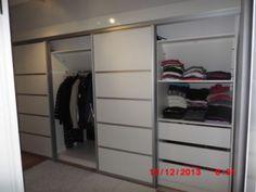 kleding kast onder schuine wand - Google zoeken Attic Closet, Loft, New Room, Dressing, Google, Modern, Home Decor, Closets, Room Ideas