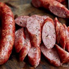 Polish Sausage Recipes, Homemade Sausage Recipes, Polish Keilbasa Recipes, Homemade Pastrami, Grilled Kielbasa, Kielbasa Sausage, Jerky Recipes, Meat Recipes, Bologna Recipes