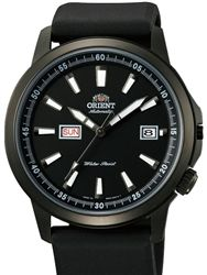 The Orient EM7K003B Stingray is a good looking watch with quick day change button and an offset crown at 4:00. It features a 21-jewel Orient...