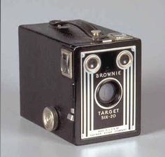 Do you remember the . good old times - and . - Camera, Acmera accessories, and so on Old Cameras, Vintage Cameras, Ideas Conmemorativas, Photography Camera, Pregnancy Photography, Photography Tips, Landscape Photography, Portrait Photography, Fashion Photography