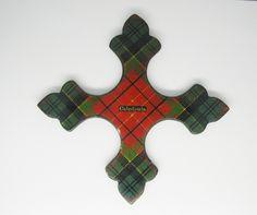 A Victorian Tartan Ware thread winder of cruciform shape. Caledonia tartan., £115.00