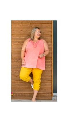 Comment allier couleurs et confort ? Cet été la douceur est au rendez-vous pour la collection dame grande taille. #mode #jaune #moutarde #coton #femme #style Clothing Accessories, Dame, Bermuda Shorts, Shopping, Clothes, Collection, Fashion, Plus Size Fashion, Plus Sized Clothing