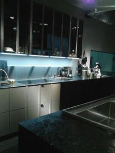 Nueva tendencia de cocina Kitchen Island, Home Decor, New Trends, Decoration Home, Kitchens, Island Kitchen, Room Decor, Home Interior Design, Home Decoration