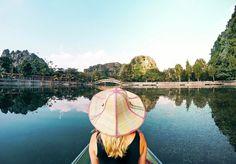 Magical moments in Vietnam  #tamcoc #tam #coc #vietnam #asia #ninh #binh #ninhbinh #boat #nature #beautiful #reflection #travel #photography #blog #saltinourhair